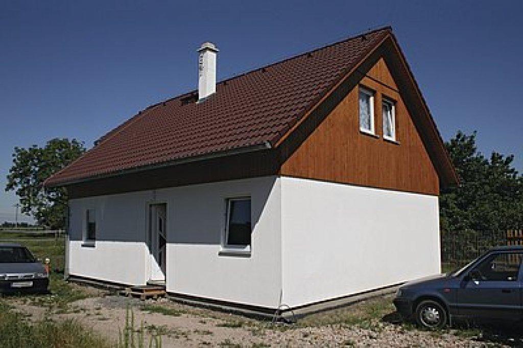 1bfd548e4 Zatienenie južných okien v letných mesiacoch pomocou presahu strechy